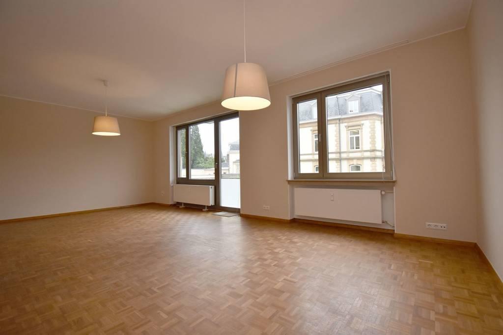 Bel appartement de deux chambres à Belair