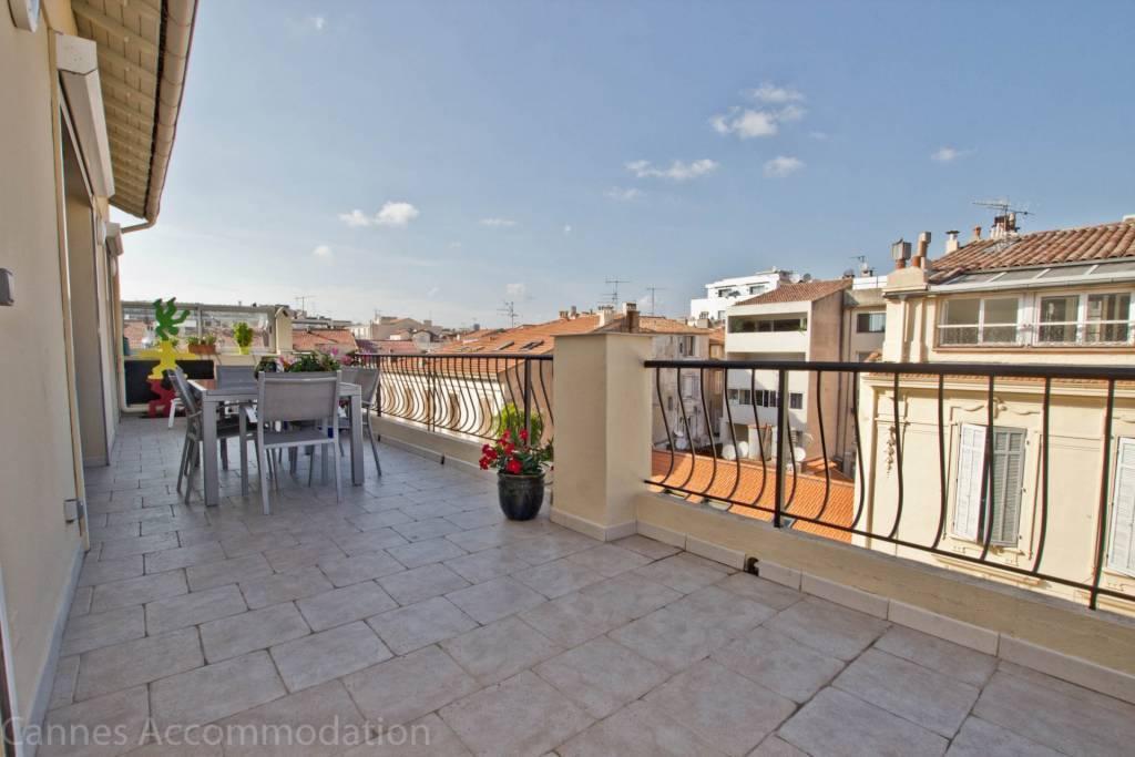 Grand 4p avec terrasse en plein centre de Cannes