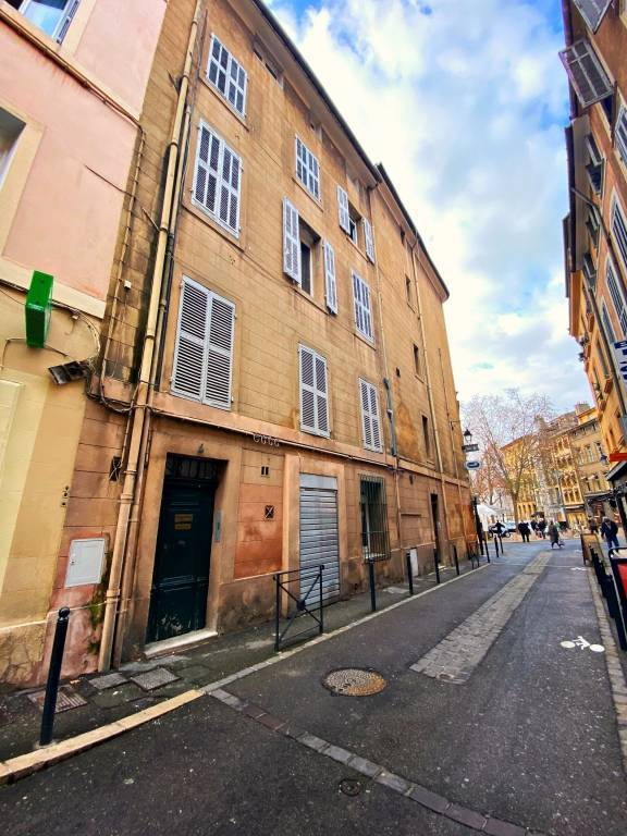IMMEUBLE 5 APPARTEMENTS Cours Mirabeau / Italie