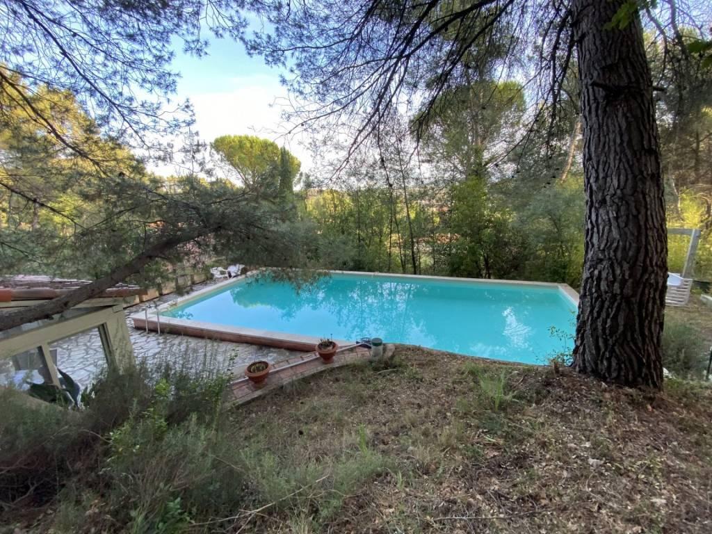 Maison à rénover Type 7 avec piscine