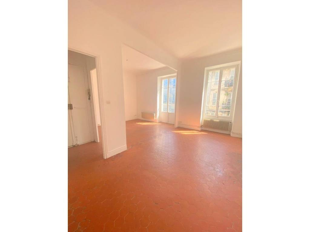 Appartement  2 Rooms 58.1m2  for sale   240000 €