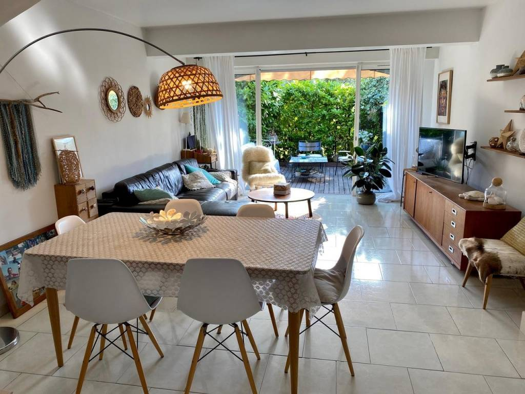 Appartement  4 Rooms 76.11m2  for sale   515000 €