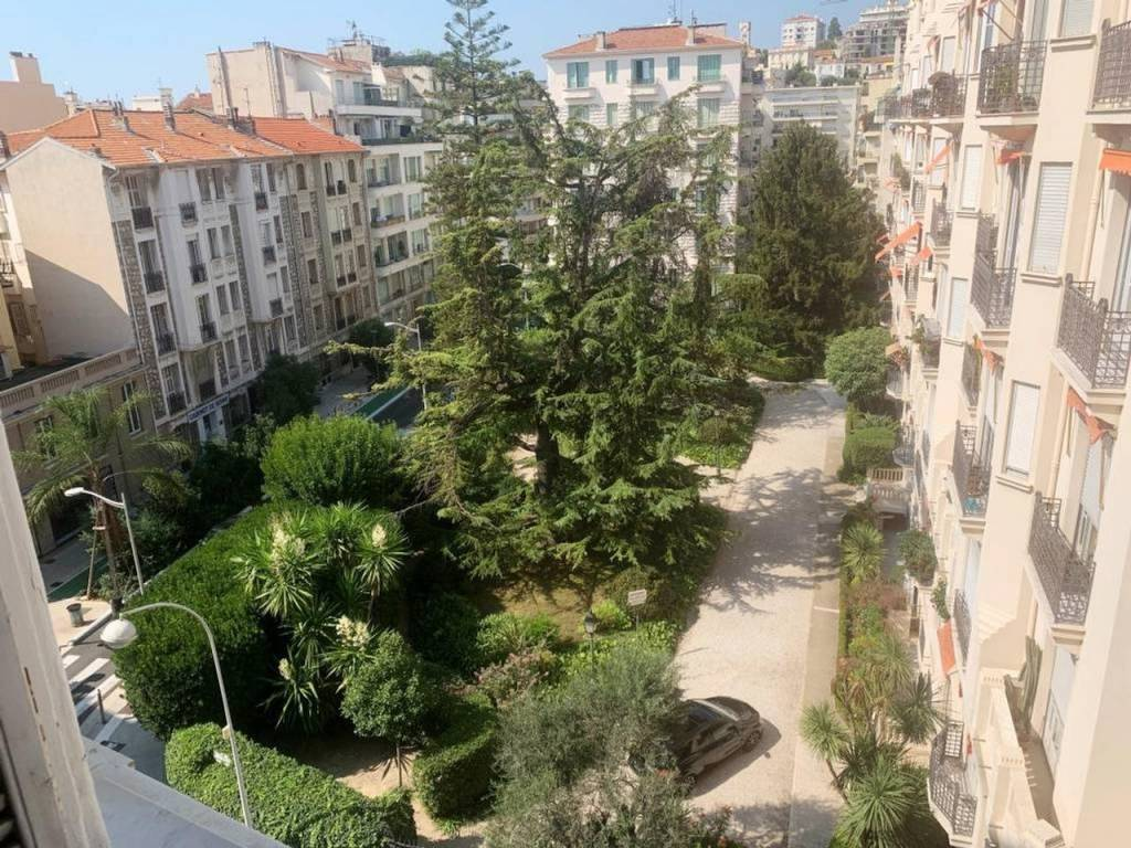 Appartement  3 Rooms 77.06m2  for sale   425000 €