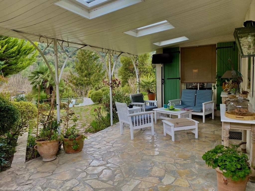 Maison  4 Rooms 134.77m2  for sale   700000 €