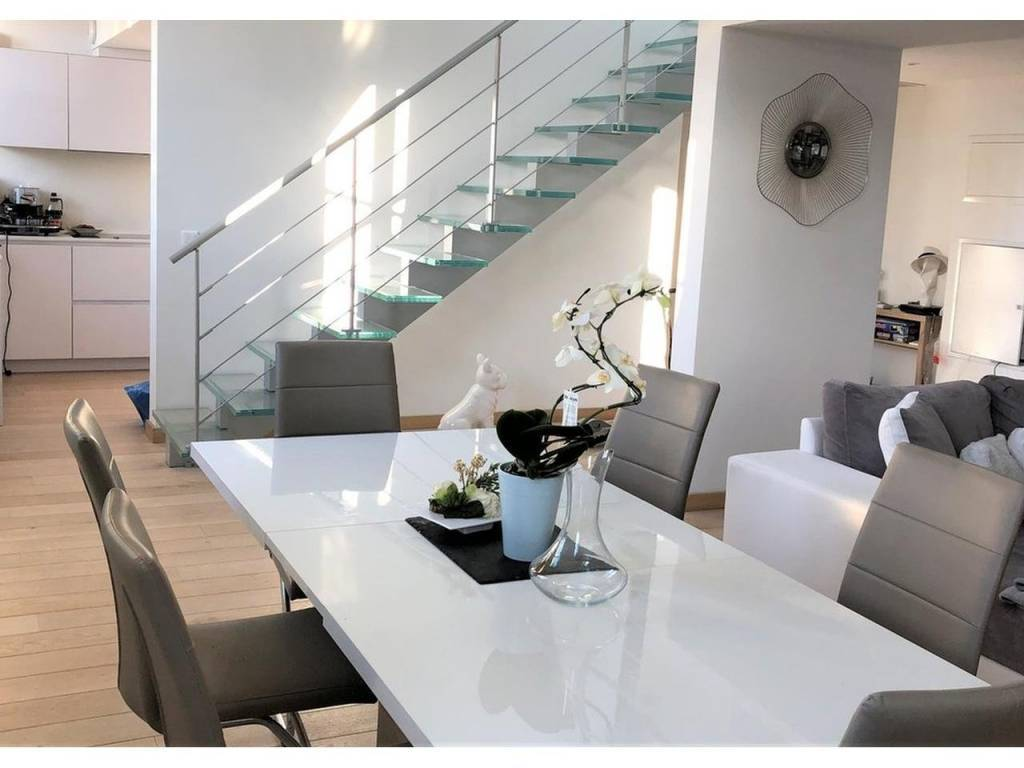 Appartement  5 Rooms 122m2  for sale   980000 €