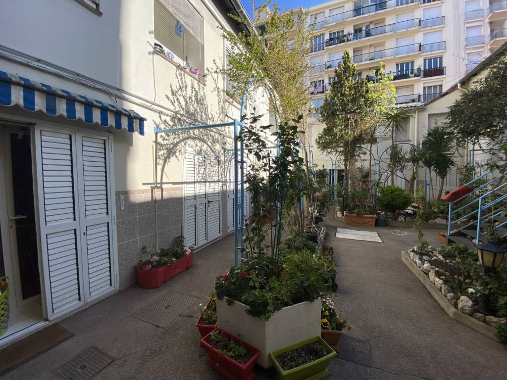 Studio for sale in Nice rue de France