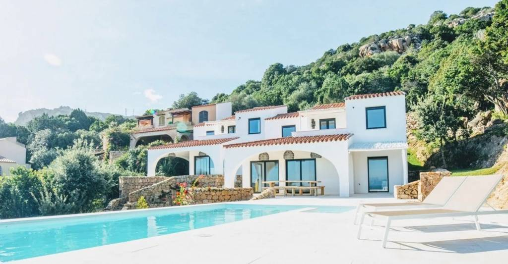 Sardinia - House - Holiday rental - 10 Persons - 5 bedrooms - Swimming pool.