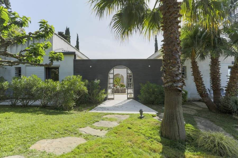 Cassis - Holiday rental - House - 12 Persons - 7 Bedrooms - 6 Bathrooms - 450 m² - Swimming pool