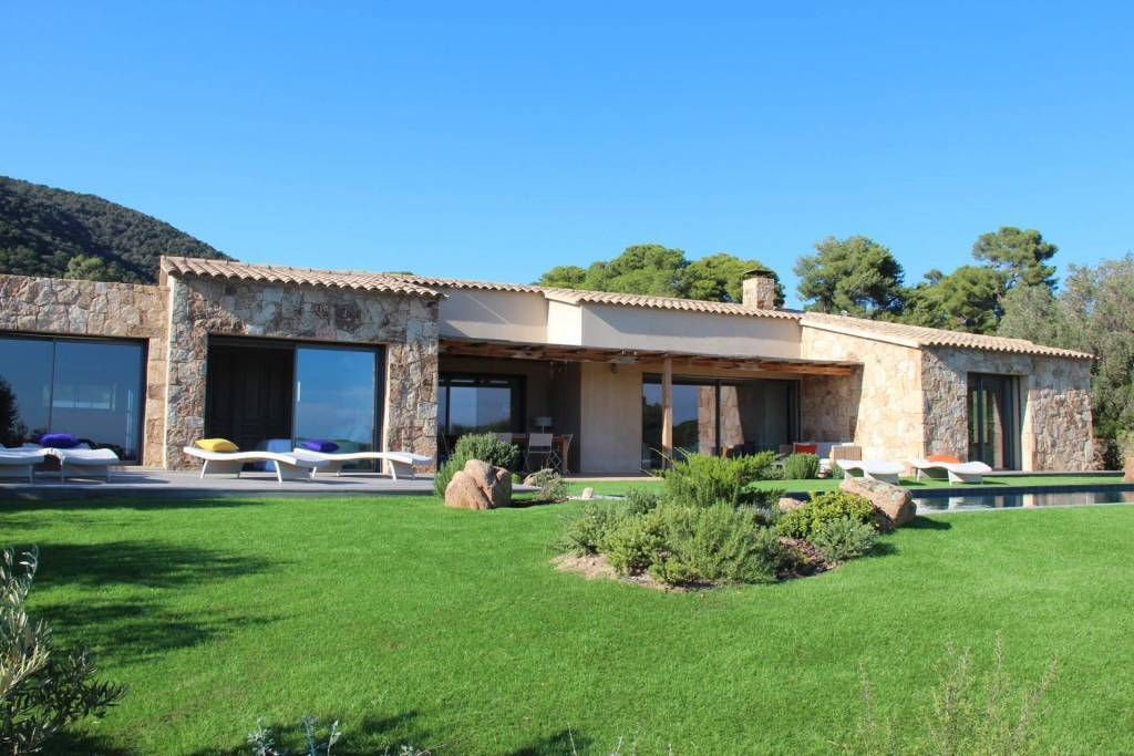 Corsica - Porto-Vecchio Region - Seasonal rental - House - 6 People - 3 Bedrooms - 3 Bathrooms - Swimming pools.