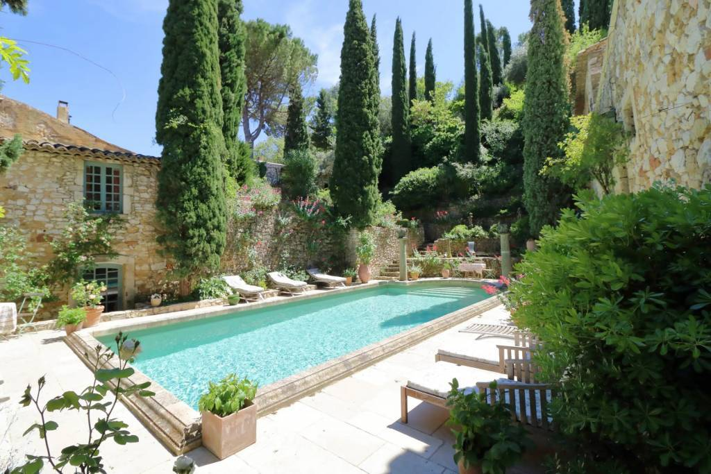 Avignon - Castle - Holiday rental - 18 Persons - 10 Bedrooms - Swimming pool.