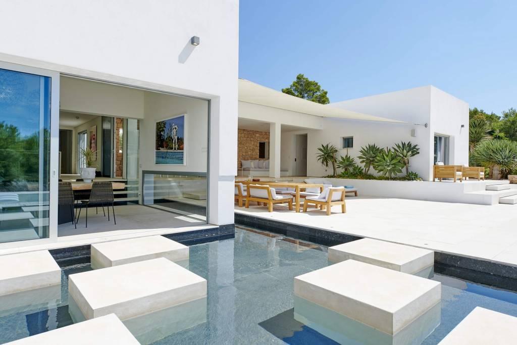 Ibiza - Location saisonnière - Maison - 10 Personnes - 5 Chambres - 5 Salles de bain - Piscine.