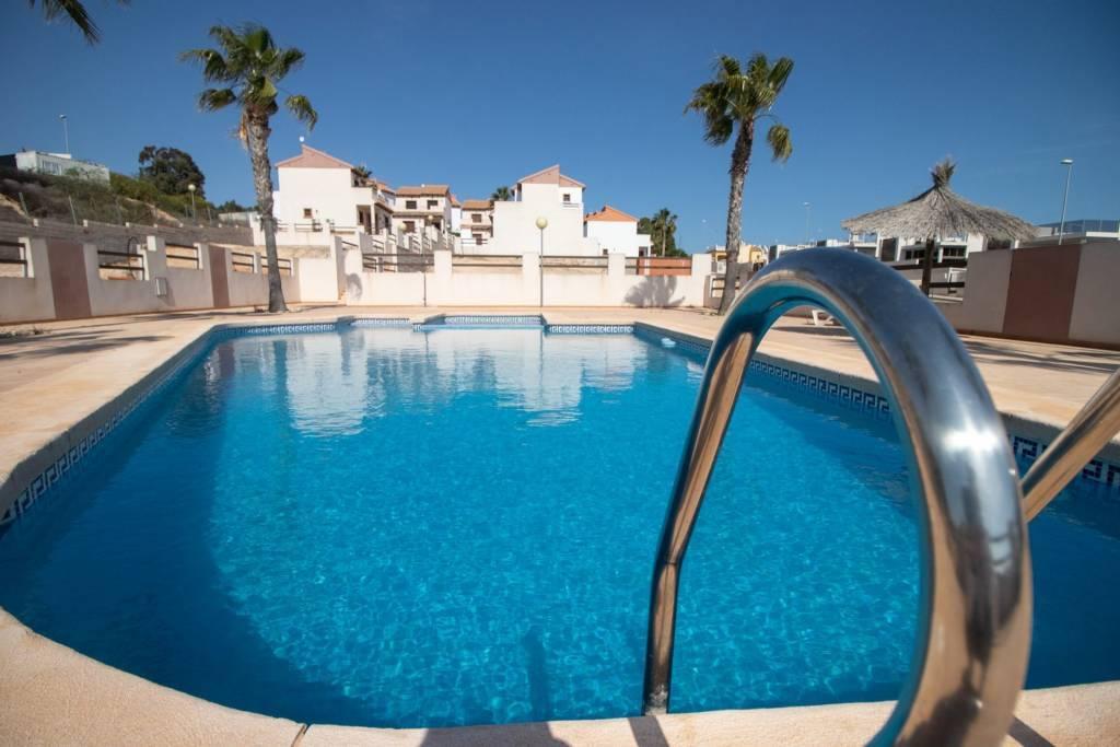Villamartin - Costa Blanca - Venta - Casa - Nueva - 3 Habitaciones - 2 Baños - Piscina
