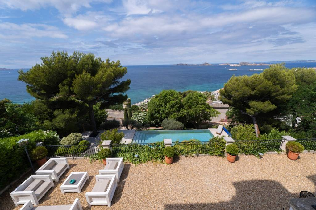 Marseille 7 - Holiday rental - House - 14 Persons - 7 Bedrooms - 5 Bathrooms - 315 m² - Swimming pool