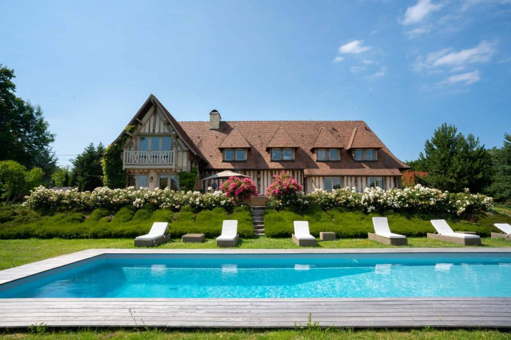 Deauville - Location saisonnière - Maison - 8 Personnes - 4 Chambres - 3 Salles de bain - 300 m² - Piscine