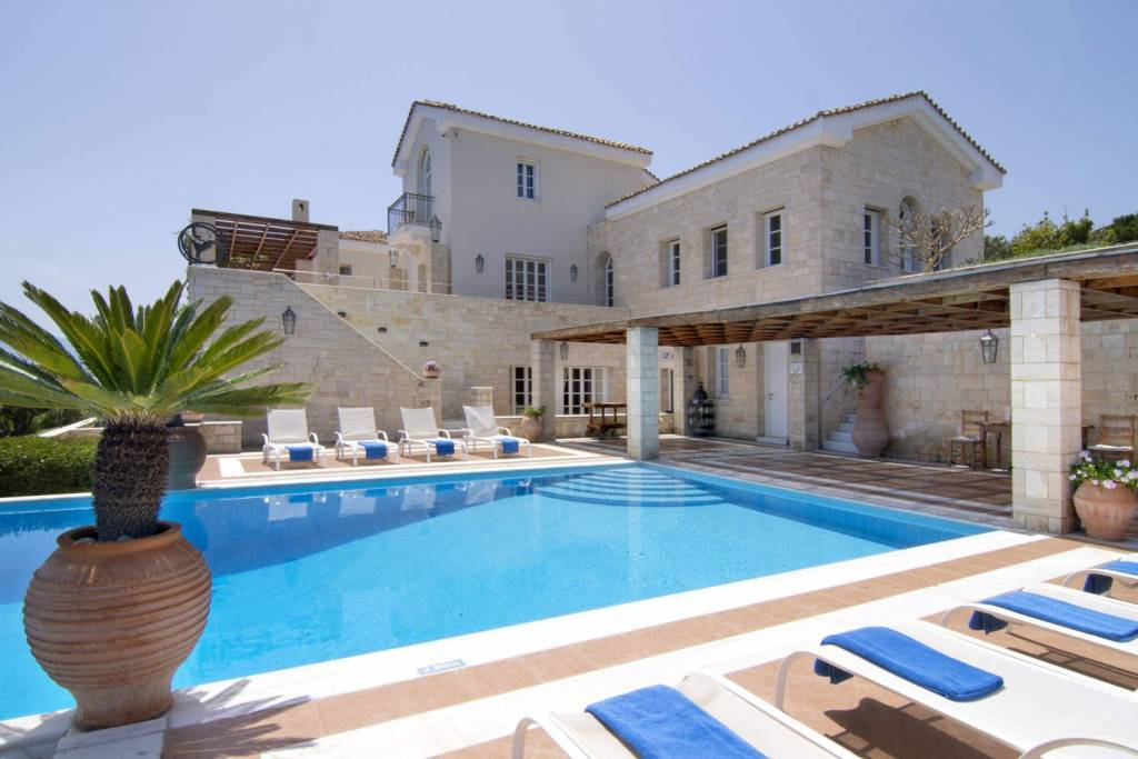 Agios Nikolaos - Crete - Holiday rental - House - 16 Persons - 8 Bedrooms - 11 Bathrooms - Swimming pool