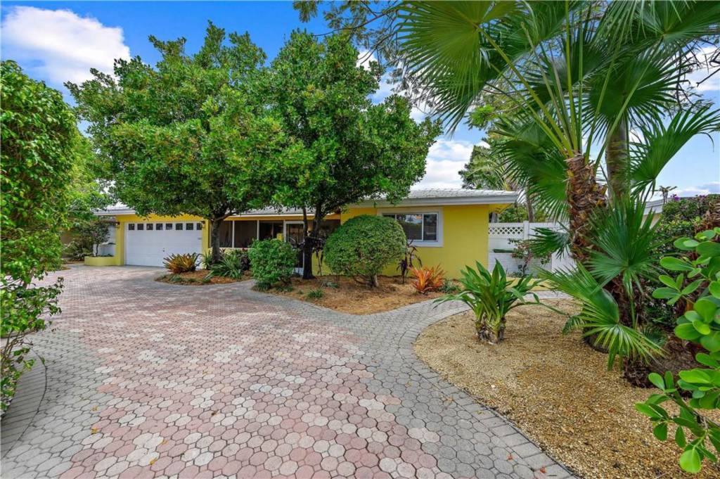 Florida - Wilton Manors - To sale - House - 3 Bedrooms - 2 Bathrooms - Swimming pool.