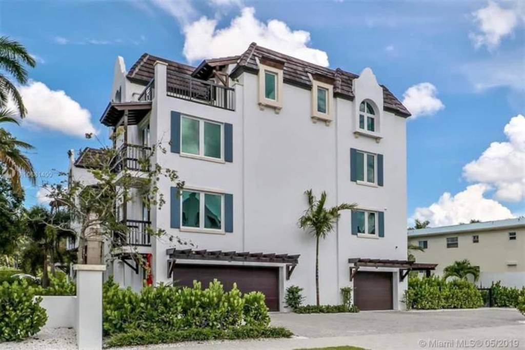 Floride - Naples - PH - Appartement - Location saisonnière - 4 Chambres - 4 Salles de bains - Piscine.