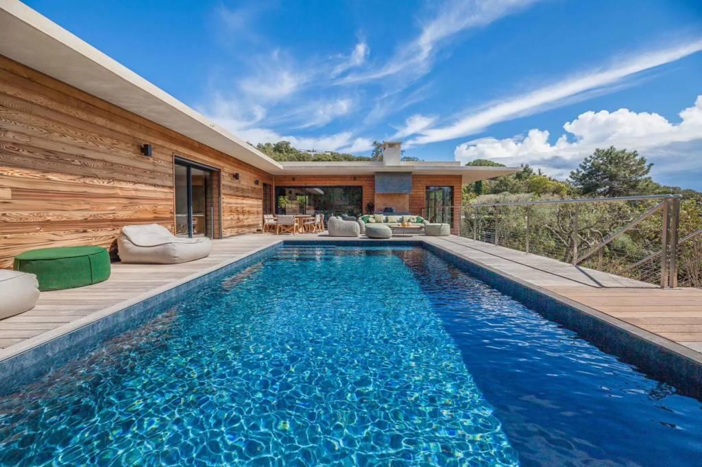 Corsica - Porto-Vecchio Region - Holiday rental - House - 14 Persons - 5 Bedrooms - 5 Bathrooms - Swimming pool.