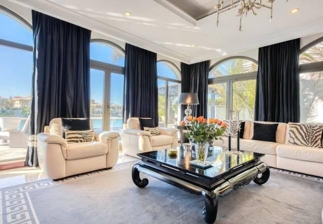 Dubaï - Location saisonnière - Maison - 11 Personnes - 5 Chambres - 6 Salles de bain - 623 m2 - Piscine