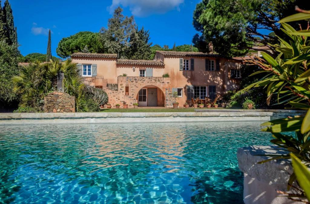 Sainte-Maxime - Maison - Location saisonnière - 10 Personnes - 5 Chambres - Piscine.