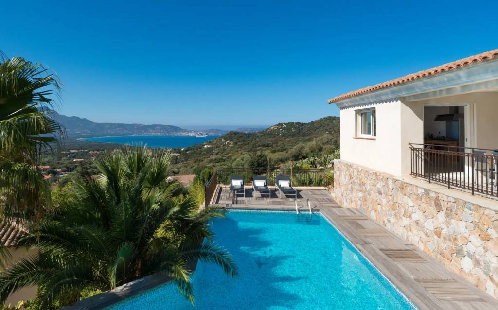 Corsica - Calvi - Holiday rental - House - 10 Persons - 5 Bedrooms - 4 Bathrooms - Swimming pool.