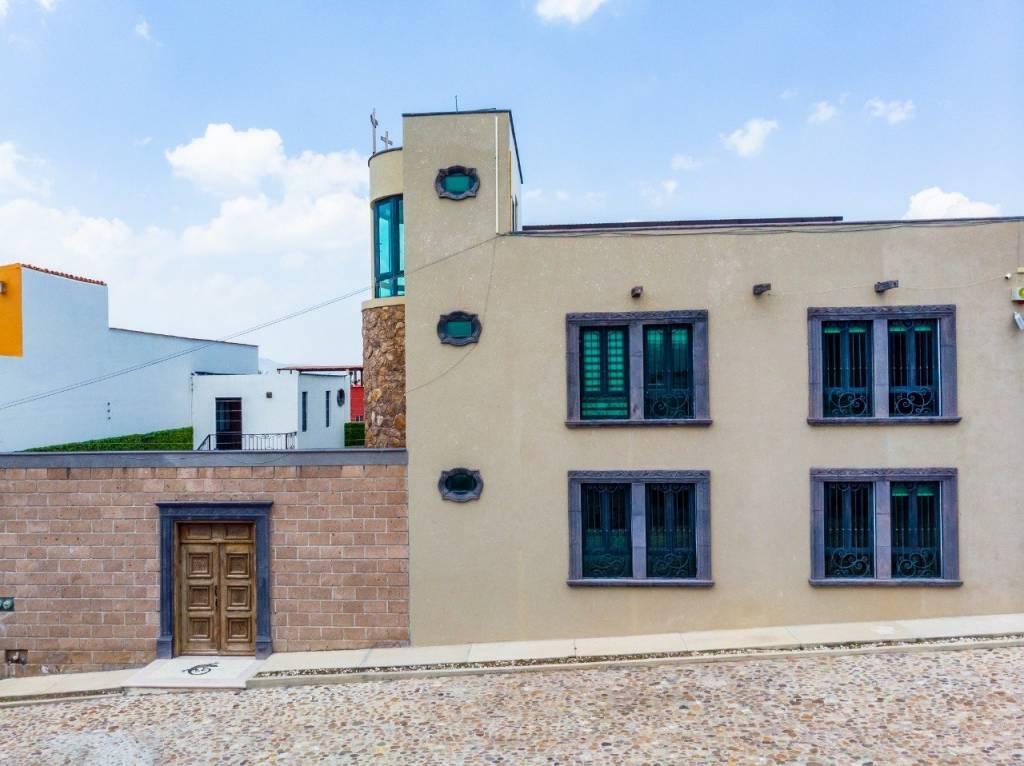 Mexico - San Miguel de Allende - Guanajuato - For Sale - House - 5 Bedrooms - 6 Bathrooms - Pool - Jacuzzi - Roof Garden