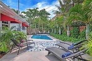 Florida - Fort Lauderdale - For sale - 4,700 SqFt - 5 Units.