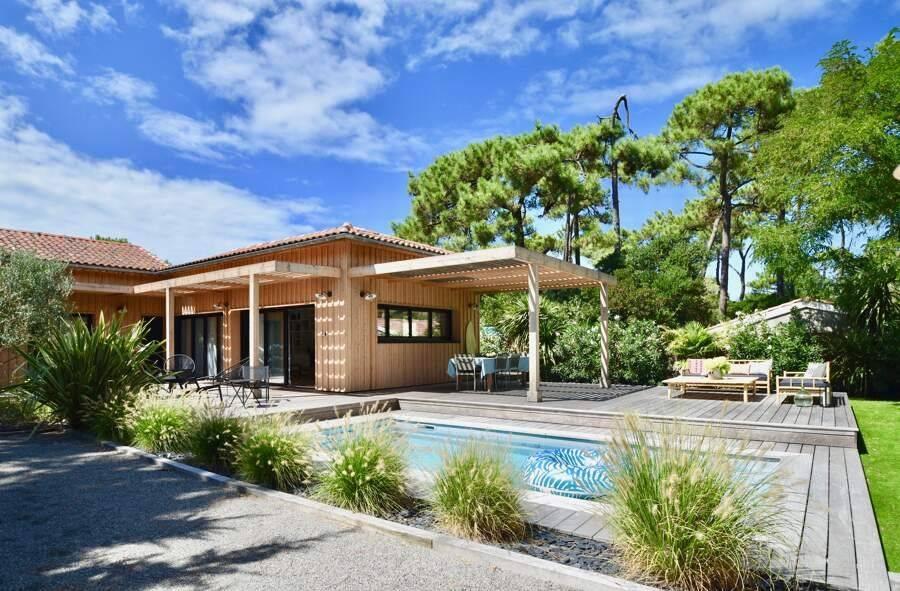 Cap Ferret - Location saisonnière - Maison - 6 Personnes - 3 Chambres - 3 Salles de bain - 140 m² - Piscine
