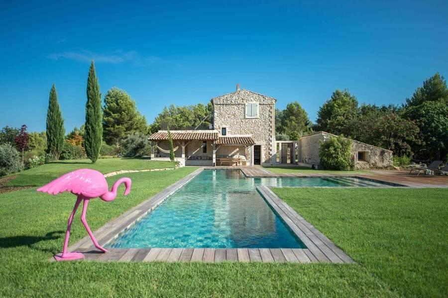 Aix-en-Provence - Location saisonnière - Maison - 10 Personnes - 5 Chambres - 3 Salles de bain - Piscine