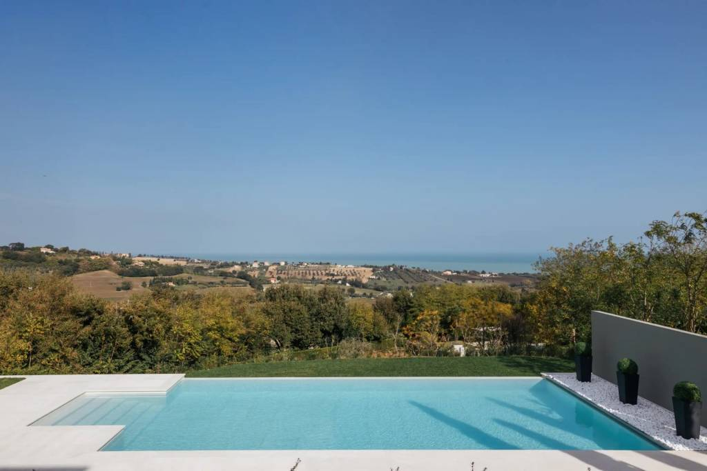 Les Marches - House - Holiday rental - 12 Persons - 6 Bedrooms - Swimming pool.
