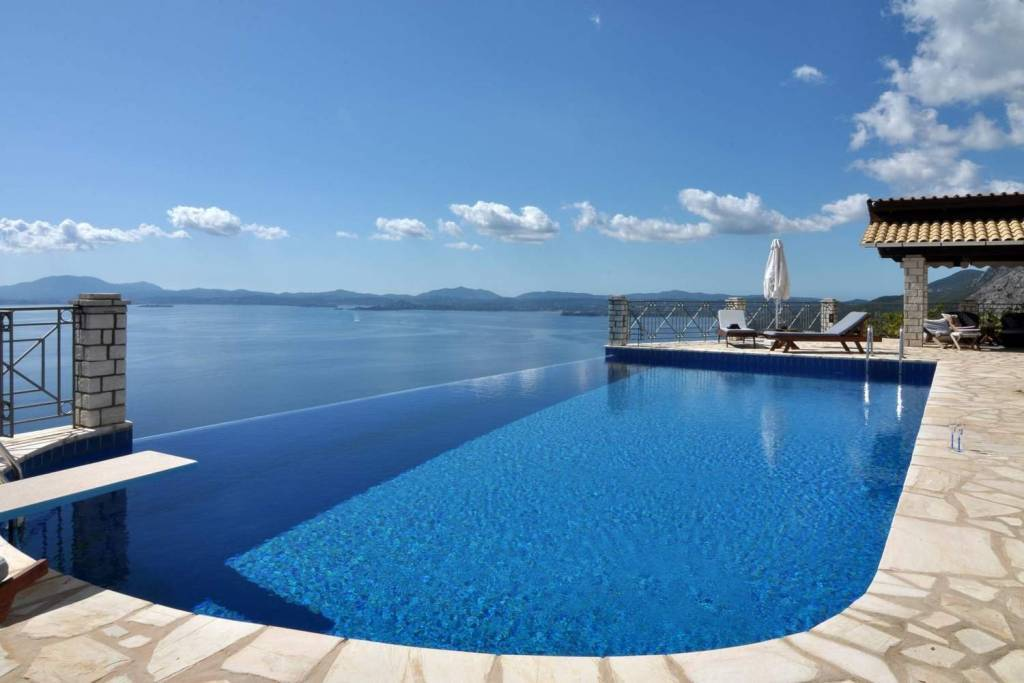 Corfu - Ionian Islands - Holiday rental - House - 11 Persons - 6 Bedrooms - 3 Bathrooms - Swimming pool