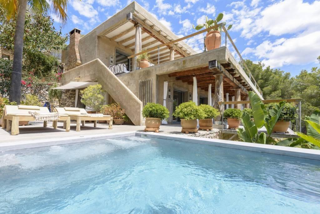 Ibiza - Location saisonnière - Maison - 12 Personnes - 6 Chambres - 6 Salles de bain - Piscine.