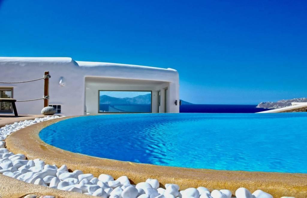 Mykonos - Location saisonnière - Maison - 14 Personnes - 6 Chambres - 7 Salles de bain - Piscine