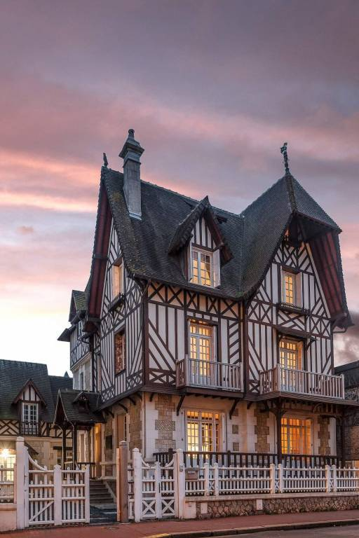 Deauville - Holiday rental - House - 12 Persons - 6 Bedrooms - 6 Bathrooms - 250 m² - Indoor swimming pool