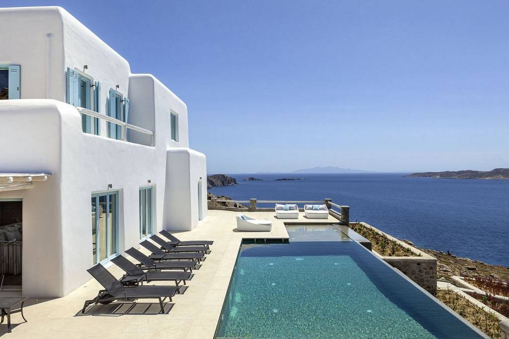 Mykonos - Pouli - Holiday rental - House - 14 Persons - 7 Bedrooms - 9 Bathrooms - Swimming pool.