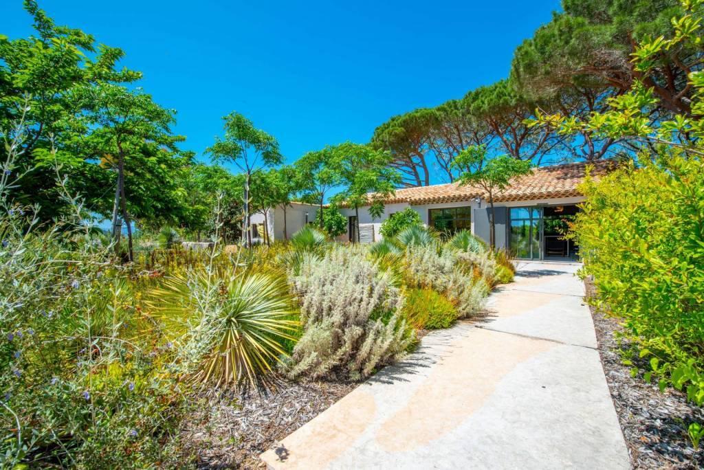 Presqu'île Saint-Tropez - Location saisonnière - Maison - 6 Personnes - 3 Chambres - 3 Salles de bain - Piscine