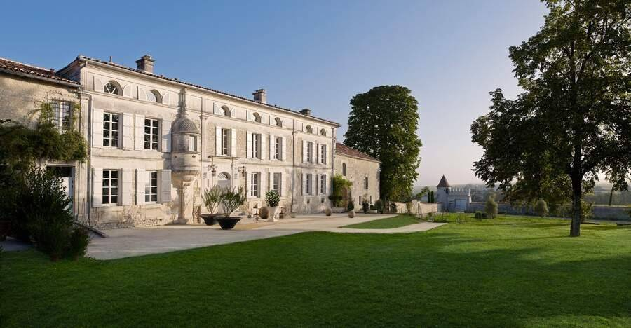 Saint-Fort-sur-le-Né - Sud-Ouest - Holiday rental - House - 20 Persons - 15 Bedrooms - 15 Bathrooms - Swimming pool