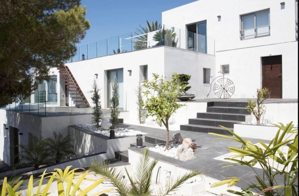 Ibiza - Maison - Vente - 6 Chambres - 6 Salles de bain - Piscine - Vue sur la mer.