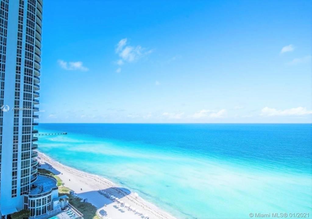 Miami Beach - Trump Tower III - 3 Bedrooms - 3 Bathrooms.