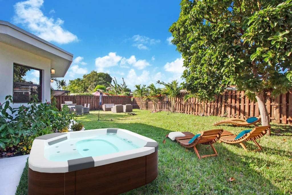Florida - North Bay Village - House - Holiday rental - 8 Persons - 4 Bedrooms - 3 Bathrooms - Jacuzzi.