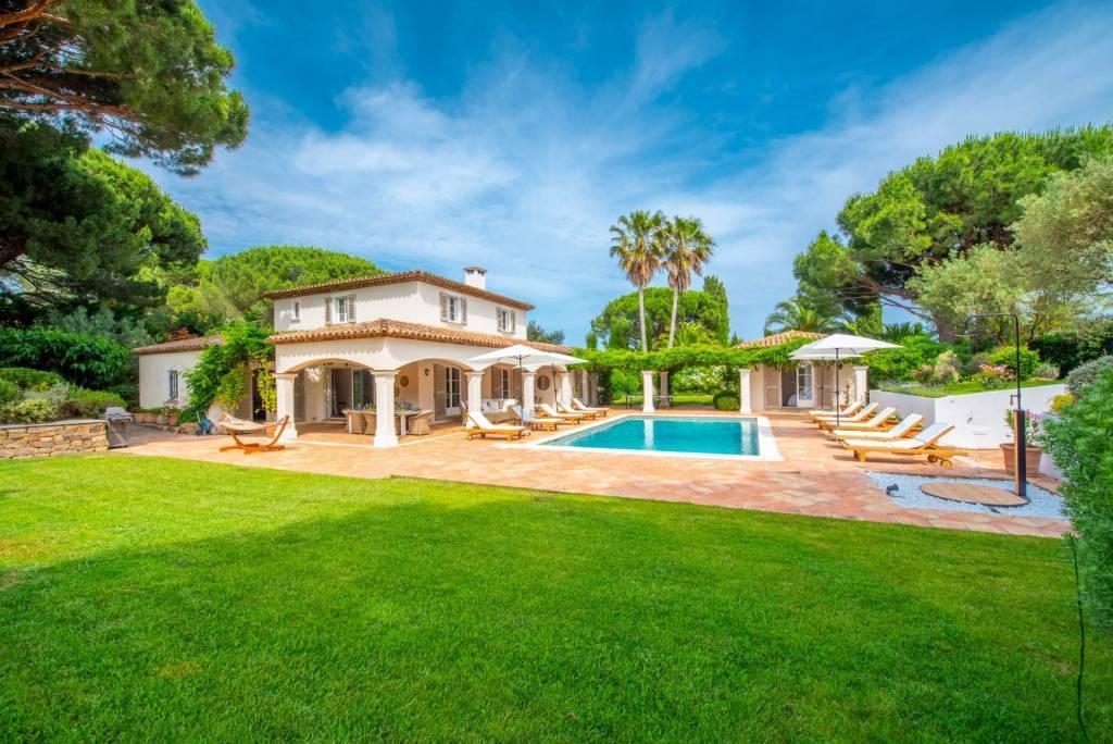 Presqu'île Saint-Tropez - Location saisonnière - Maison - 10 Personnes - 5 Chambres - 5 Salles de bain - Piscine