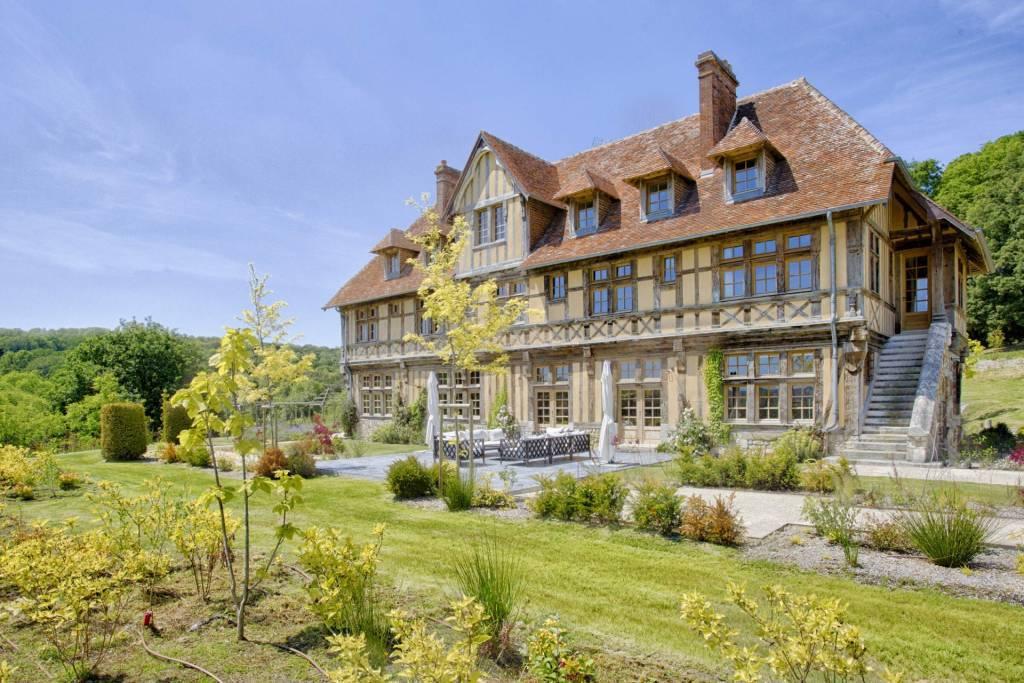 Deauville - Location saisonnière - Maison - 16 Personnes - 7 Chambres - 8 Salles de bain - 600 m² - Piscine