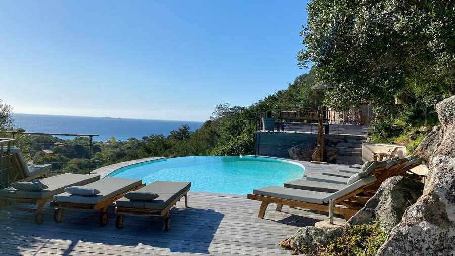 Corsica - Région of Porto-Vecchio - House - Holiday rental - 10 Persons - 5 bedrooms - Salt water pool - Jacuzzi - View on the mountains and the sea