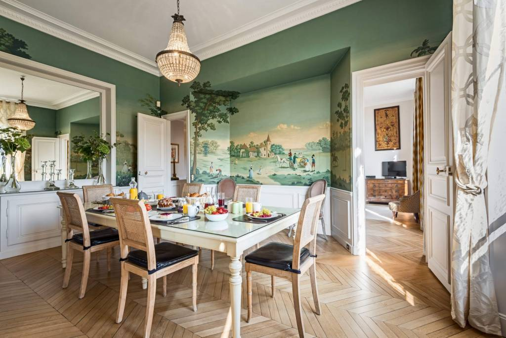 Paris 1er arrondissement - Location saisonnière - Appartement - 6 Personnes - 4 Chambres - 2 Salles de bain - 233 m2.