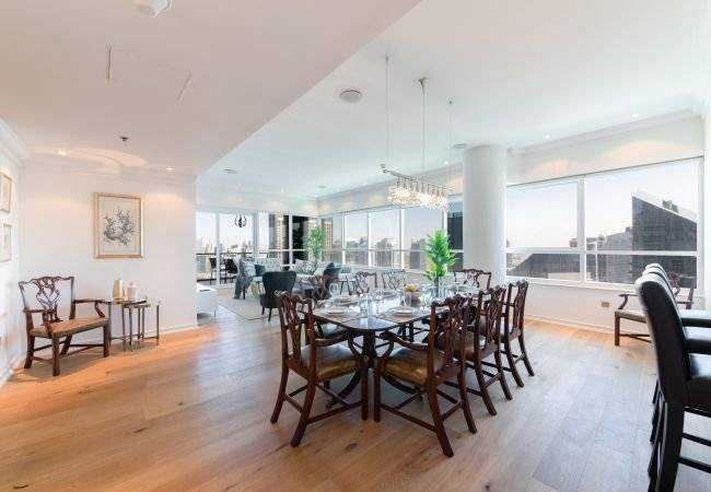 Dubaï - Location saisonnière - Appartement - 7 Personnes - 3 Chambres - 4 Salles de bain - 190 m2 - Piscine