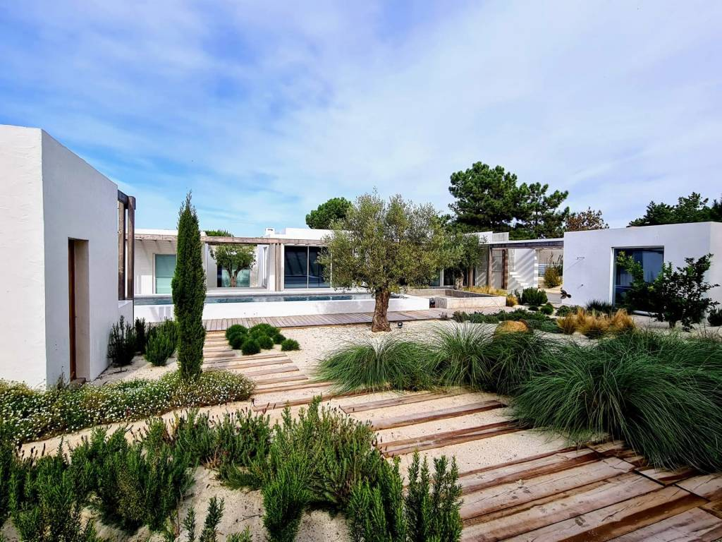 Composta - House - 14 Persons - 5 Bedrooms - Swimming pool.
