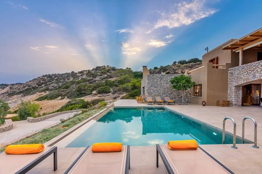 Ano Viannos - Crète - Location saisonnière - Maison - 28 Personnes - 12 Chambres - 11 Salles de bain - Piscine