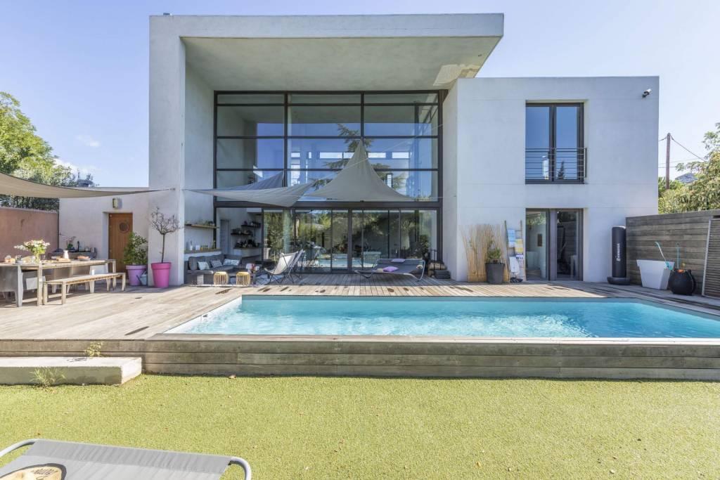Marsella - Alquiler vacacional - Casa - 6 Personas - 3 Habitaciones - 2 Baños - 220 m2 - Piscina.