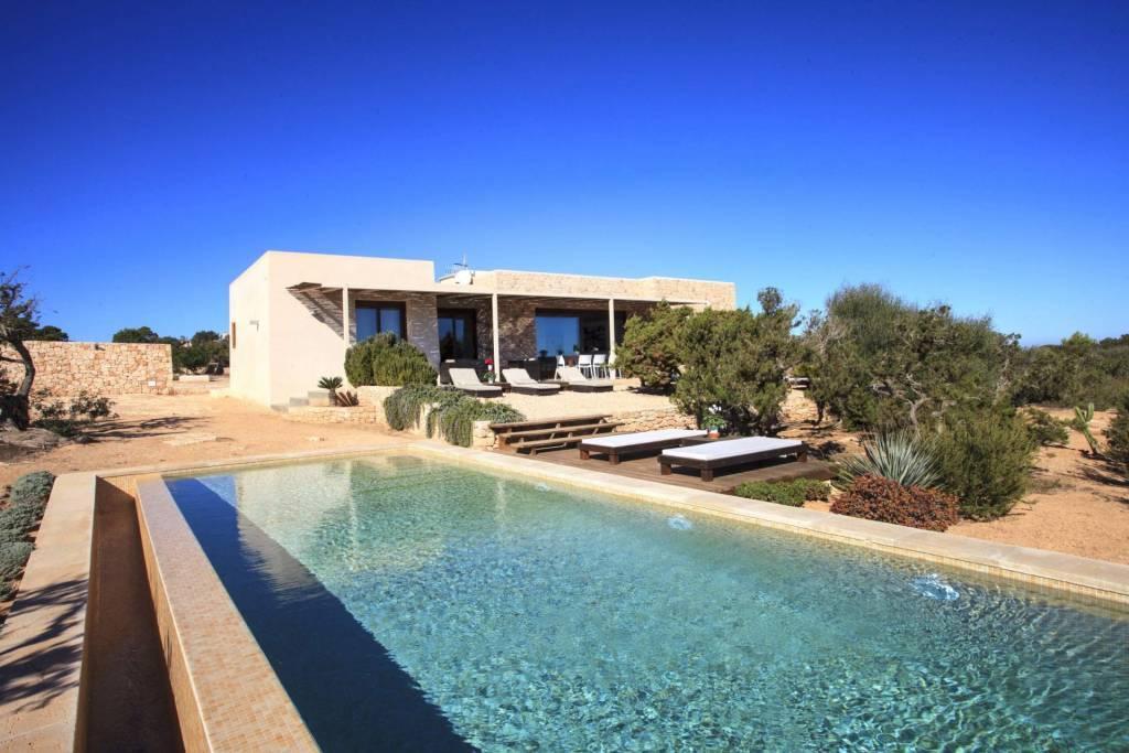 Formentera - Alquiler vacacional - Casa - 8 Personas - 4 Habitaciones - 4 Baños - Piscina.