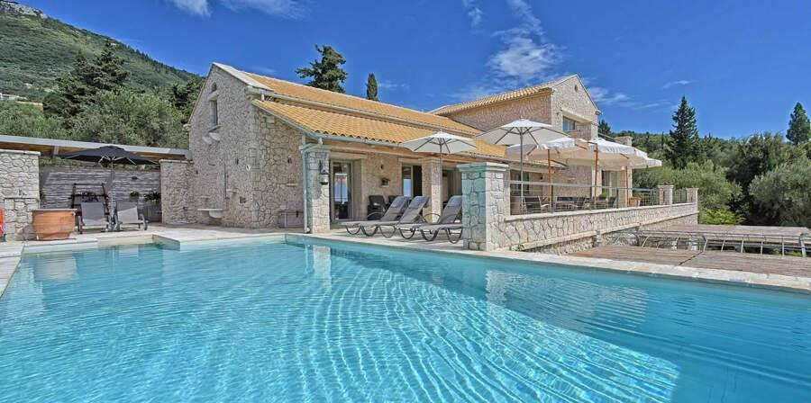 Corfu - Ionian Islands - Holiday rental - House - 10 Persons - 5 Bedrooms - 4 Bathrooms - Swimming pool